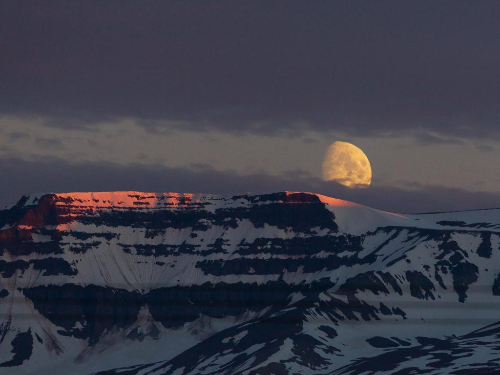 Luna del Sole di Mezzanotte